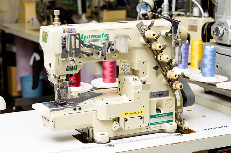 三本針偏平縫いミシン